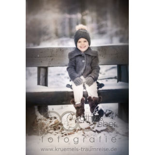 Babyfoto Kinderfoto Saar Saarland Pfalz Schnee Winter Bank Wald Outdoor